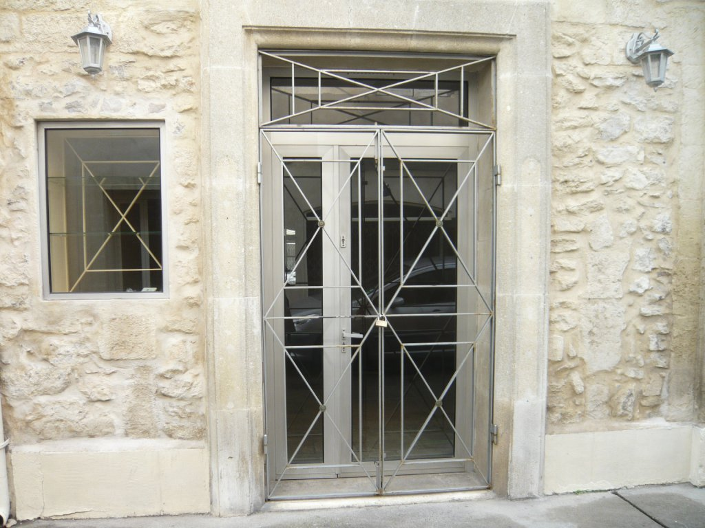 Annonce commerce 0 pieces aigues mortes location for Ca location immobilier